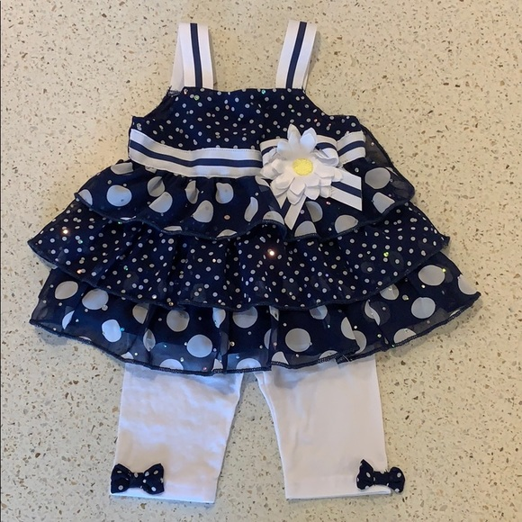 Infant girls sleeveless top and pant set.